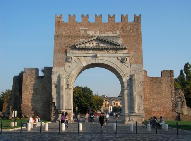 Rimini_Arco_di_Augusto