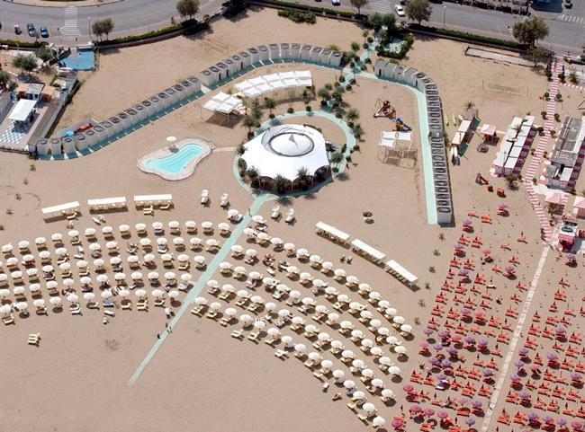 Пляж отеля Grand Hotel 5*