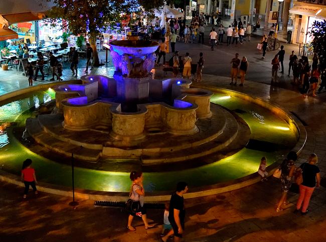 Ночная прогулка по Львиной площади