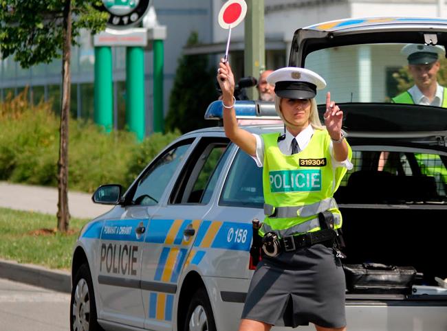Нарушения правил дорожного движения в европейских странах наказываются часто крупными штрафами.
